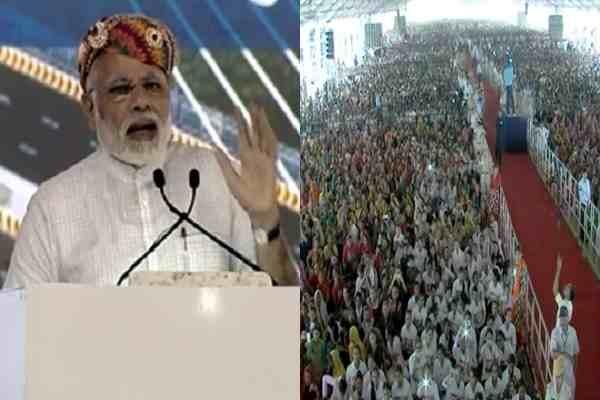 pm-modi-slams-congress-inaugurate-15000-crore-project-in-rajasthan