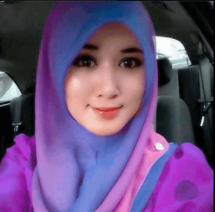 Wanita Hijab Yang Cantik