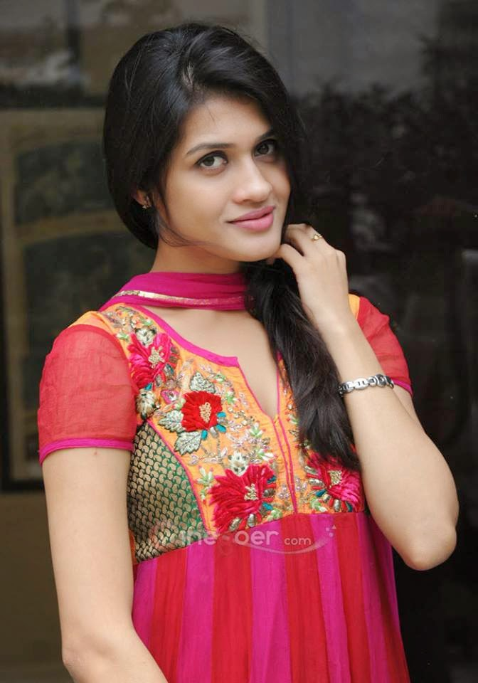 beautiful Indian Girl pics, Deshi Girls photo, Cute Indian Girl Photo, dehati girl pics,Vip Girl Photo, Smart girl photo