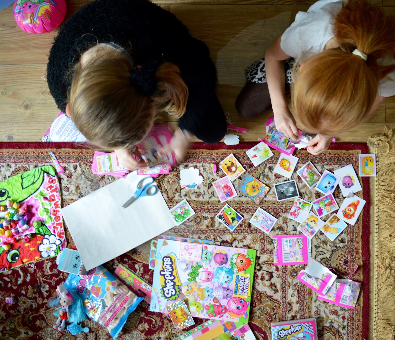 How to host an AWESOME Shopkins Movie Party #ShopkinsChefClub. Shopkins Chef Club Review - shopkins cards