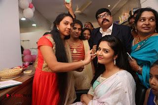 Sreemukhi Launches Manvis Saloon  0044.jpg