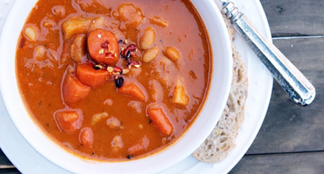 9sp - Slow Cooker Spicy Sweet Potato & Bean Soup