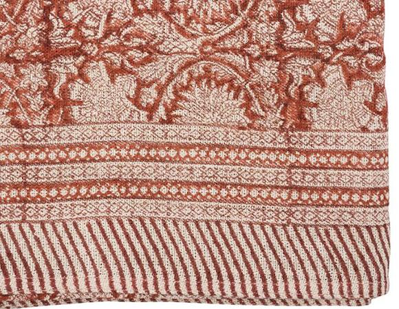 Röd linneduk i blocktryckt mönster Paradise från Chamois.