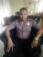Diduga Dipicu SMS ke Sang Isteri, Warga Serang Rumah dan Mobil Patroli Kapolsek Sape