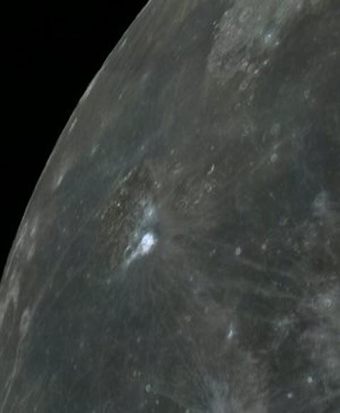 Crater Aristarco reactor de fusion en la Luna