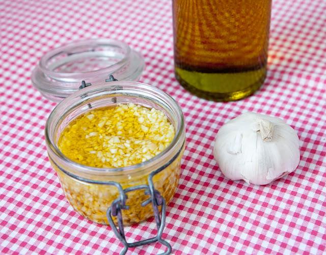 Economize tempo fazendo potinhos de alho EM CASA