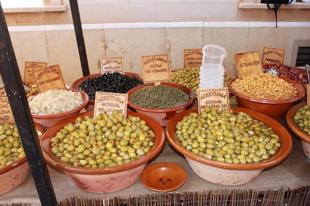 Oliven auf dem Markt auf Mallorca