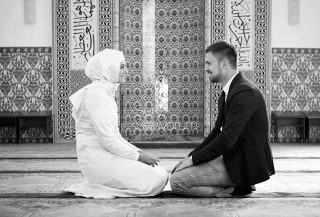 Adab berinteraksi suami-istri
