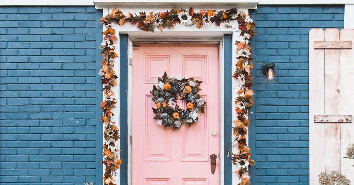 graphic about Old Time Pottery Printable Coupon called Do it yourself Drop Garland + Doorstep With Outdated Period Pottery