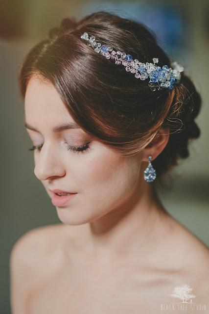 Kryształowa, niebieska gałązka ślubna