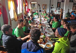 Mittagessen in Carratraca nach einem langen Vormittag auf dem e-Bike Sattel.