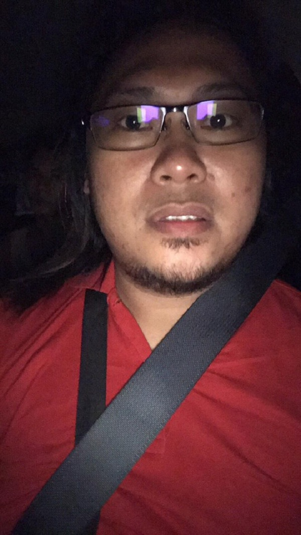 'Ghost' Takes Ride in Grab Car, Scares Passenger and Driver
