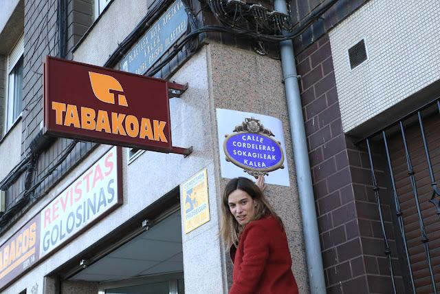 Irabazi suprime simbólicamente un nombre de calle franquista y coloca uno de mujer