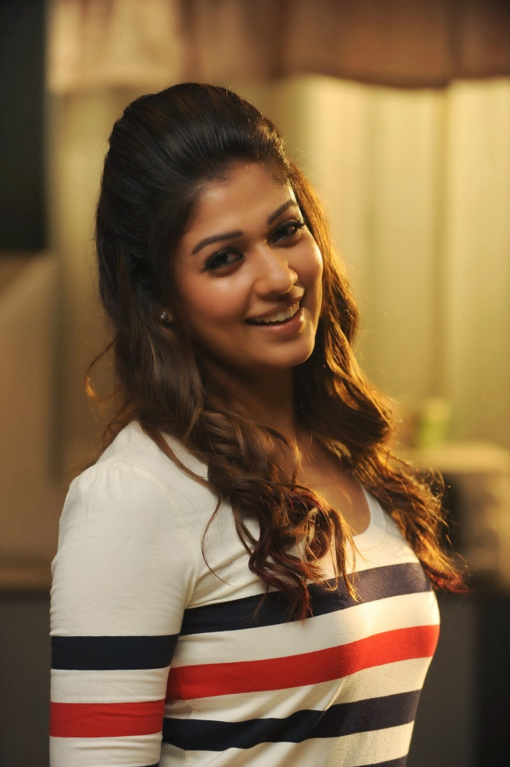 Nayanthara Gorgeous Photo Shoot  Nayanthara Image Gallery -9398