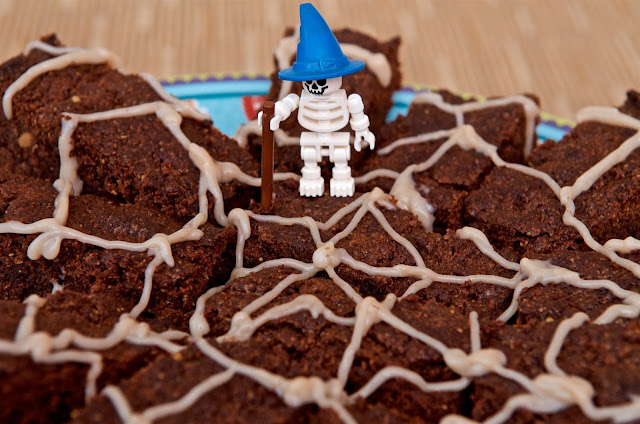 Halloween - Peanut Butter Brownie - dessert cooking - chocolate - cake - skeleton - spider