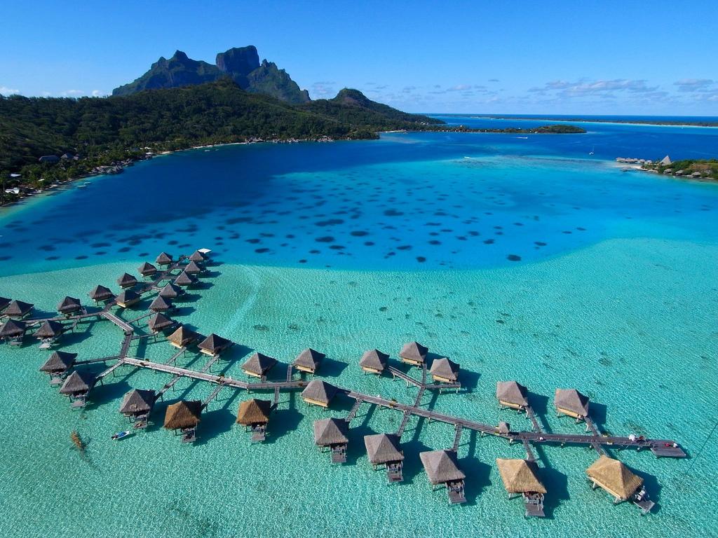 Exotic Islands: Exotic Places: Exotic Bora Bora Resorts Pictures