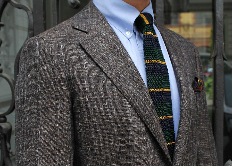 2330aa8e7cb83 Krawaty w poziome paski to najczęściej knity. Źródło: blog.trashness.com
