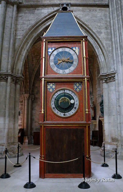 Reloj astronómico de la Catedral de Saint Etienne, Bourges, Francia