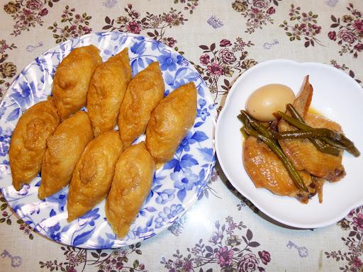 いなり寿司と鶏手羽先の煮物