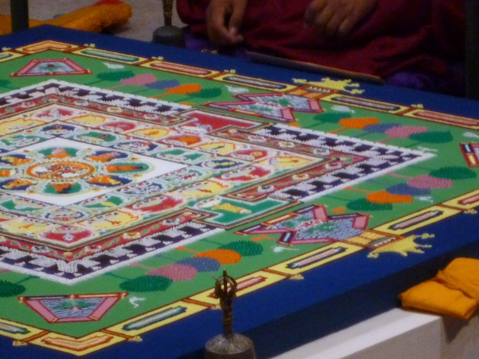 巡回展「マンダラ ─ チベット・ネパールの仏たち」