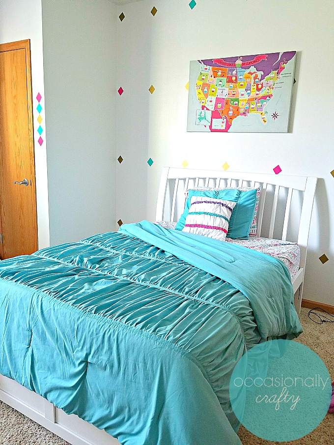 Pink and Teal Tween Girl's Bedroom | Occasionally Crafty ...