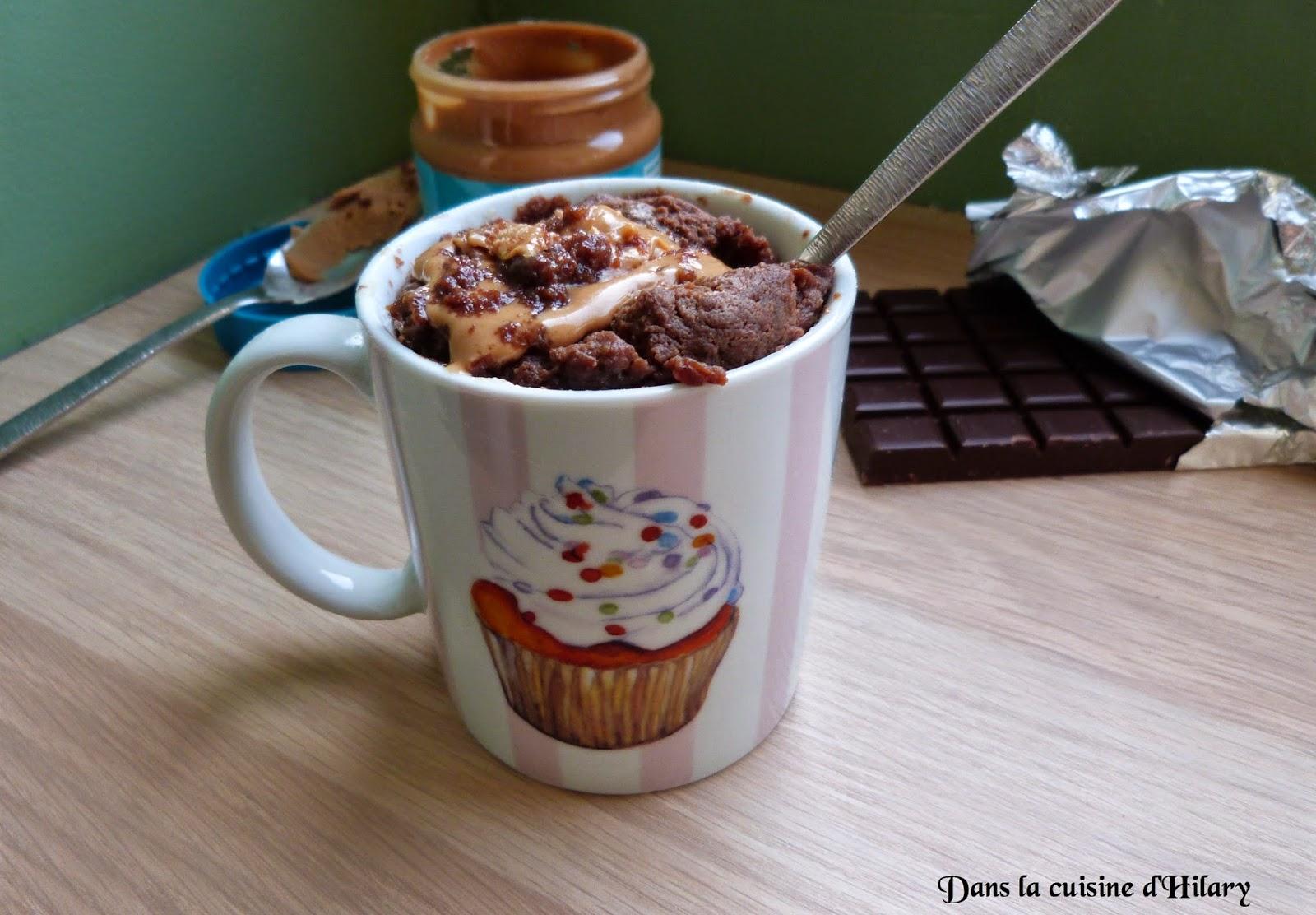 Mug-cake chocolat & coeur de beurre de cacahuète