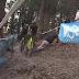 Vídeo de un aficionado borracho liándola en el Druivencross de Overijse