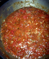 cooking pizza sauce