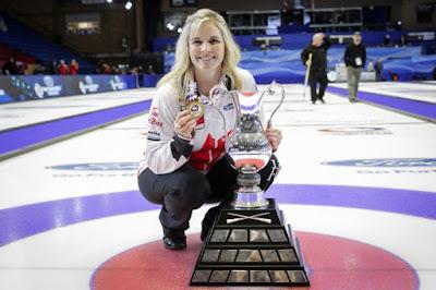 CURLING - Jennifer Jones revalida el título mundial para Canadá
