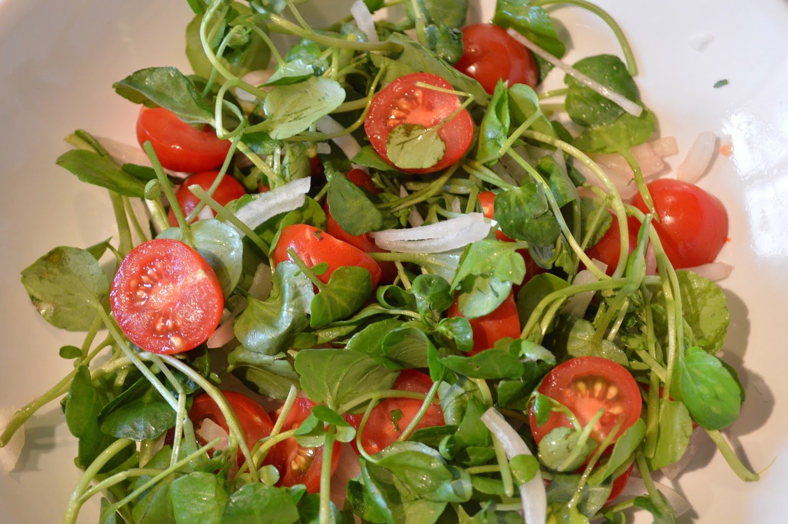 Tomato watercress and shallot salad