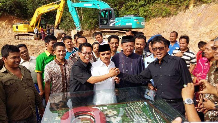 Ali Mukhni Berharap Gubernur Tambah Anggaran Main Stadion Sikabu