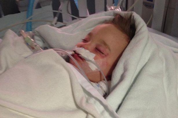 Η μικρούλα Emmaleigh μεταφέρθηκε εσπευσμένα στο νοσοκομείο, όπου αργότερα άφησε την τελευταία της πνοή.