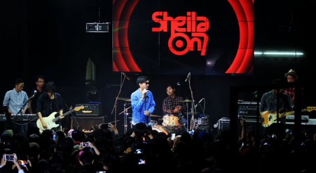 Download lagu Sheila On 7 - Pejantan Tangguh