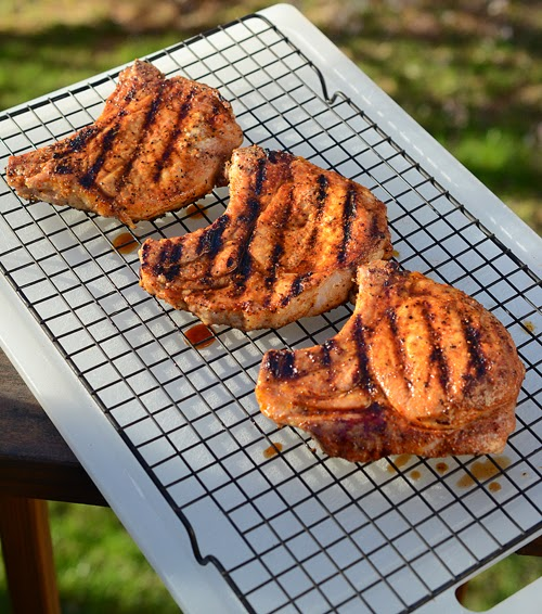 Grilled pork chops, pork chop recipe, perfect pork chops, Char-Broil Kettleman