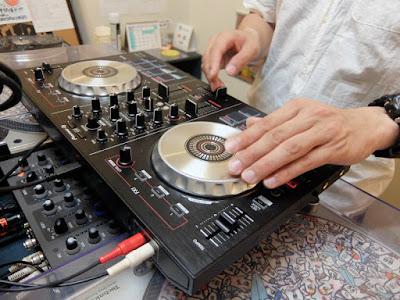 VIBESRECORDS DJスクールでのPCDJのレッスン模様です。