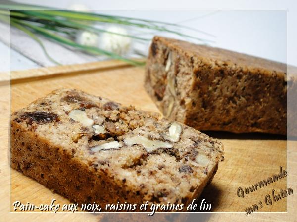Pain-cake aux noix, raisins et graines de lin