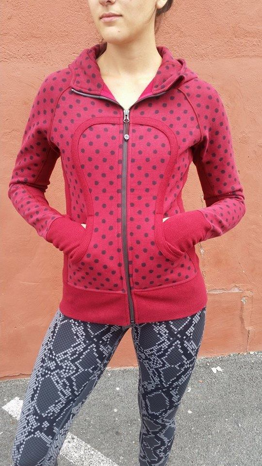 lululemon-cranberry-ghost-dot-scuba ii