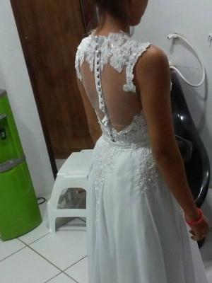 Jovem é assaltada no CE e fica sem vestido de noiva: 'Pedi pra não levar'