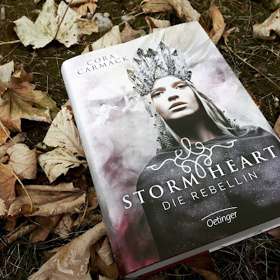 (Rezension) Stormheart. Die Rebellin (Band 1) - Cora Carmack