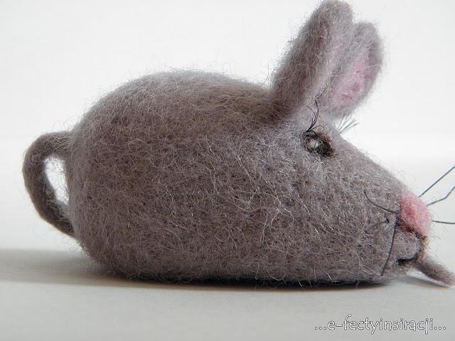 myszka, mysza, filcowanie, filcowanie na sucho, włóczka czesankowa, jak ufilcować myszkę, podarek, pomysł na prezent, s(T)worki, hand made, rękodzielnictwo, e-fectyinspiracji