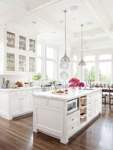 Lauren Conrad's beautiful white kitchen