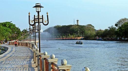 Taman siring sungai martapura tempat wisata banjarmasin