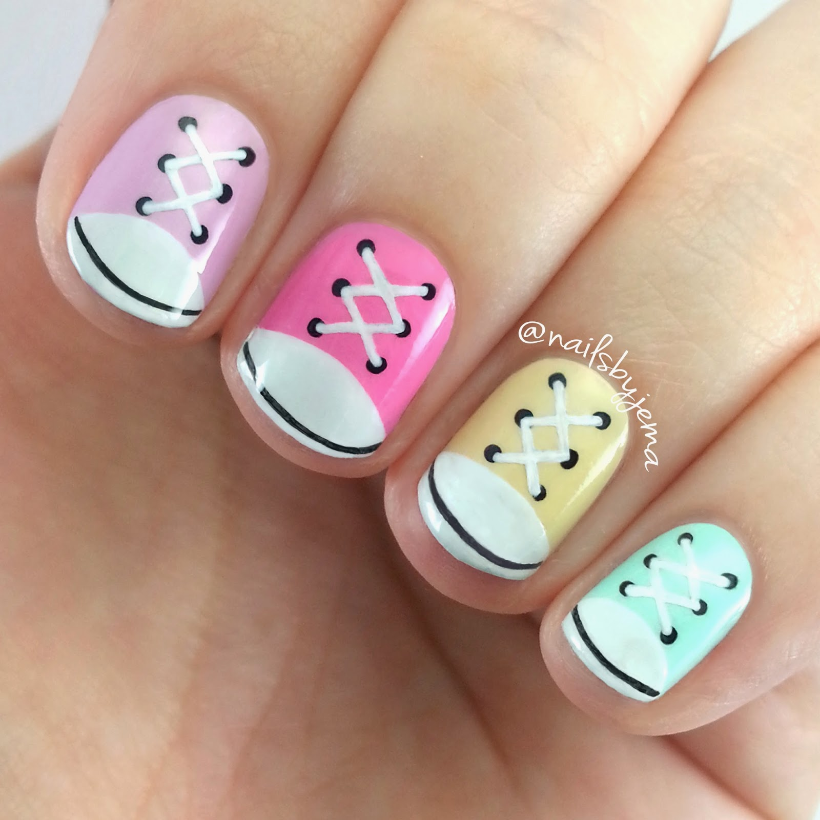 Nail Art Couture Converse Nail Art: N A I L S B Y J E M A: Converse Nails