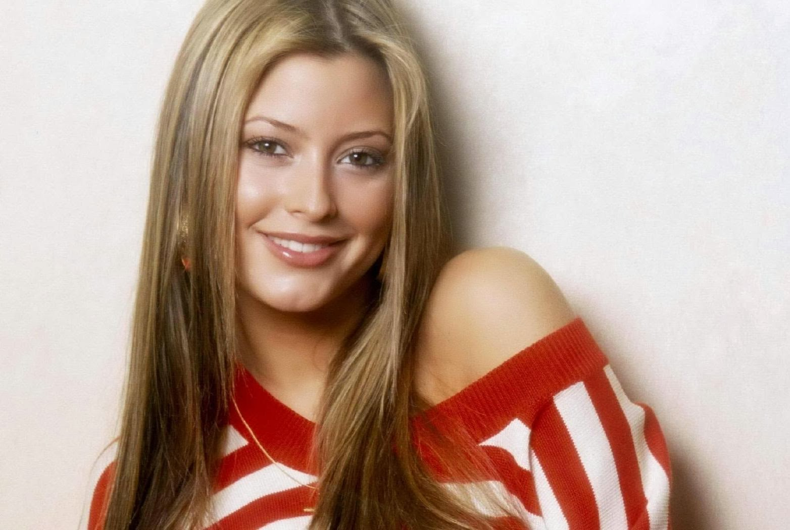 Holly Valance Hd Wallpaper 49 Wallpapers Wallpapers