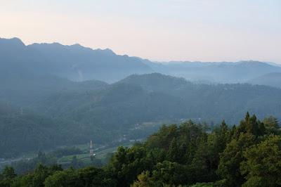 高津屋森林公園からみる生坂の山々と里