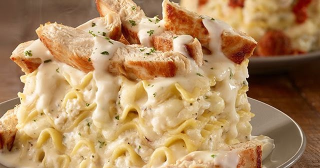 """Olive Garden Has A Crazy New Breadstick Creation: Olive Garden Introduces New """"Lasagna Mia"""" Create-Your-Own"""