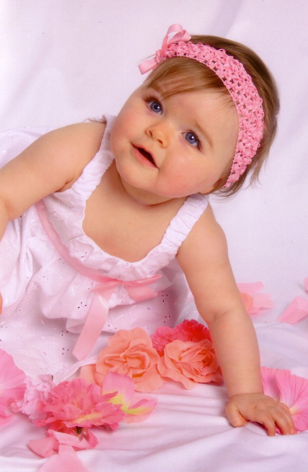 Cute Babies Pictures with Love Quotes Wallpapers with Pink ...