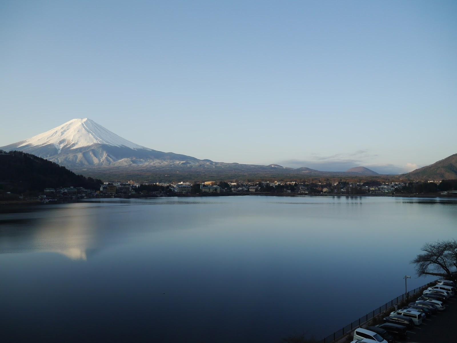 ∥日本關東∥ 帶媽媽東京自由行-河口湖「富士吟景」初見富士山 - 小花模式