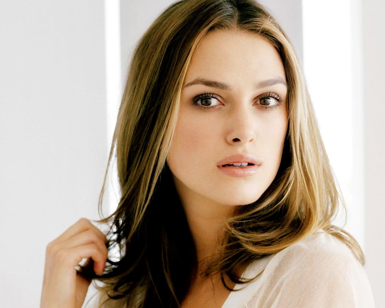 keira knightley's long hairstyles | hairstyles and haircuts