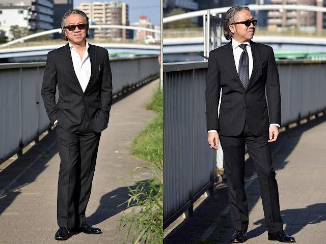 スーツにネクタイ有りと無しの比較